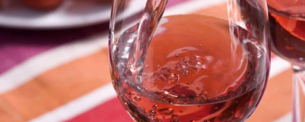 男人喝红酒好吗 男人喝葡萄酒的好处 男人喝红酒有什么好处